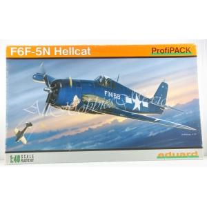 8226 F6F-5N HELLCAT
